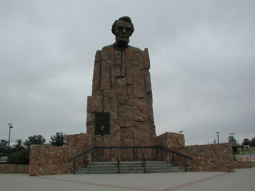 Lincoln Highway Monument